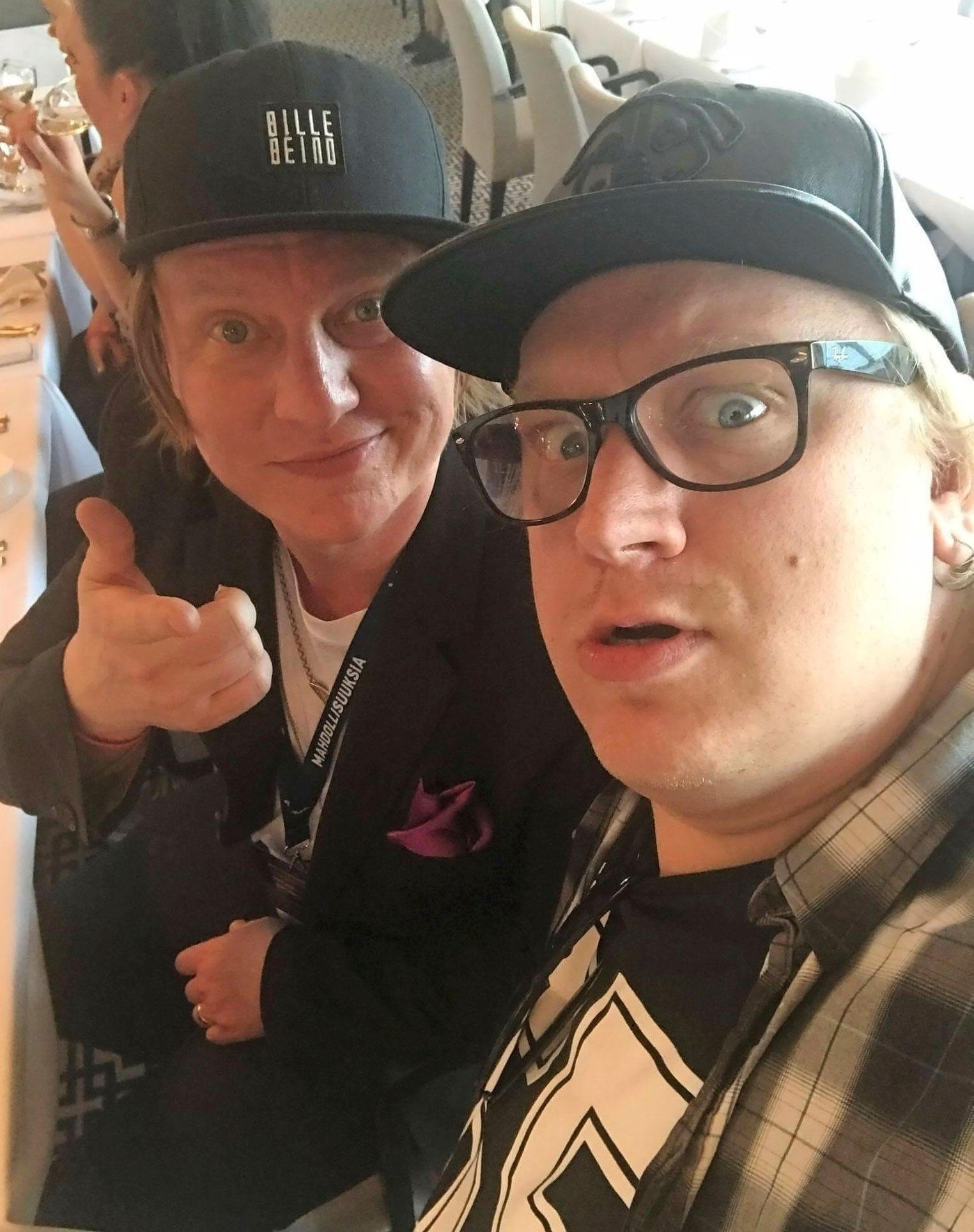 Jaajo ja Arttu Wiskari rellestivät raviristeilyllä.
