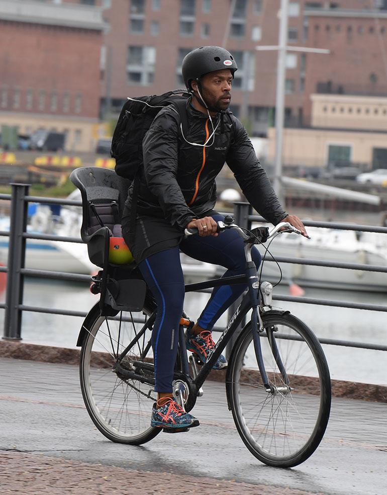 jani toivola pyörällä