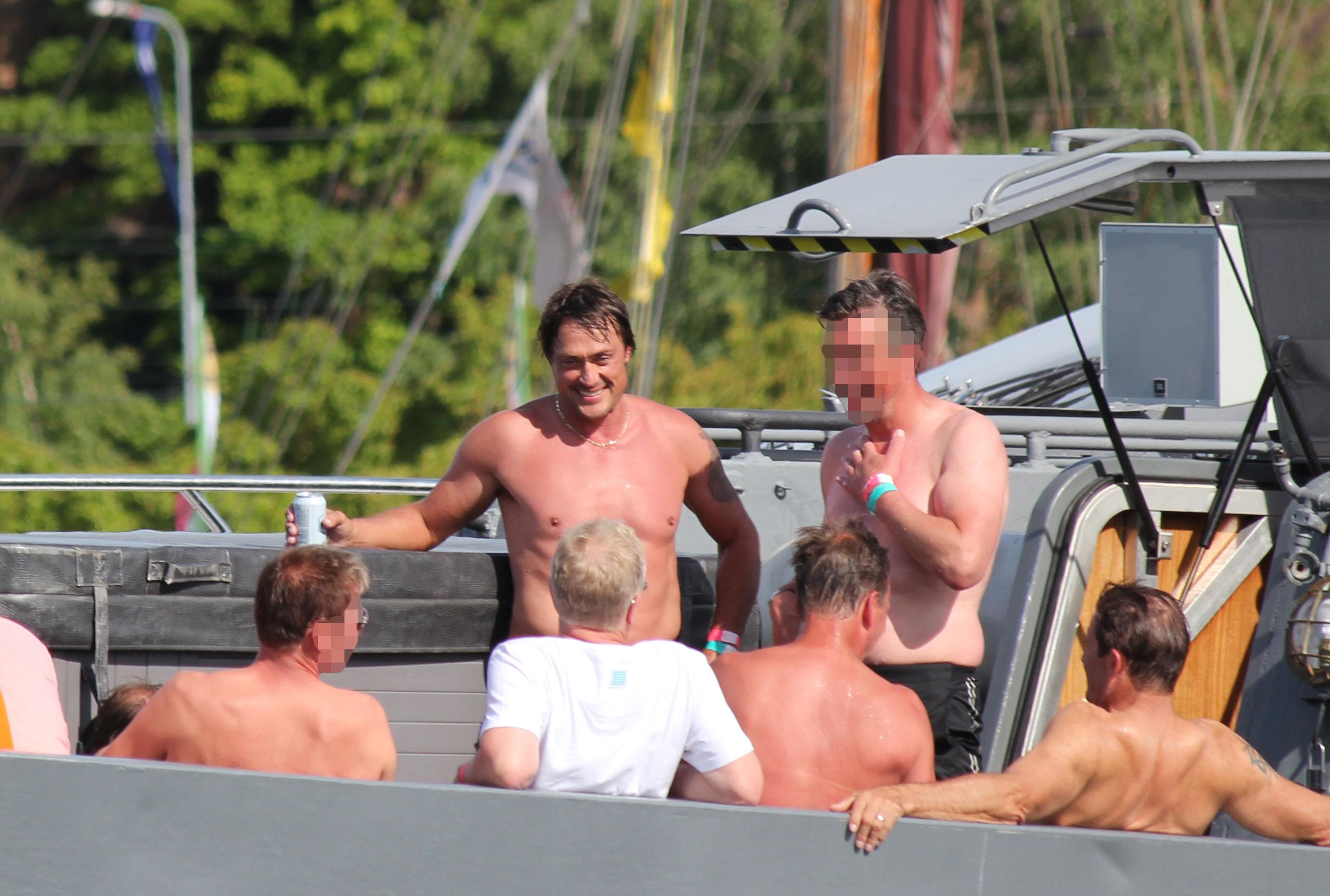 Teemu Selänne saunoi ja viihtyi Kotkan Meripäivillä.