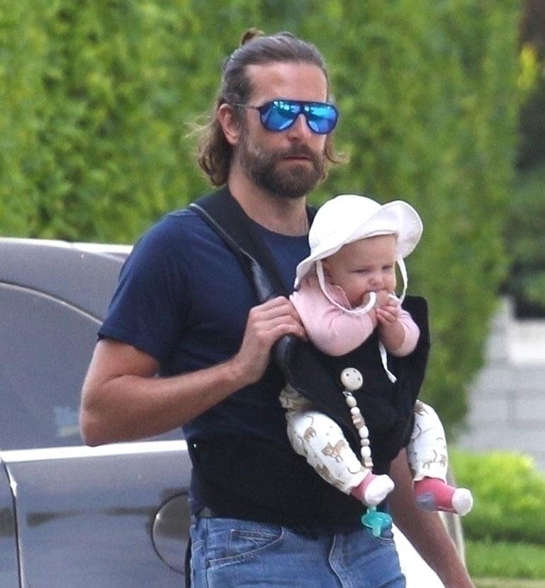 Bradley tyttärensä kanssa marketilla
