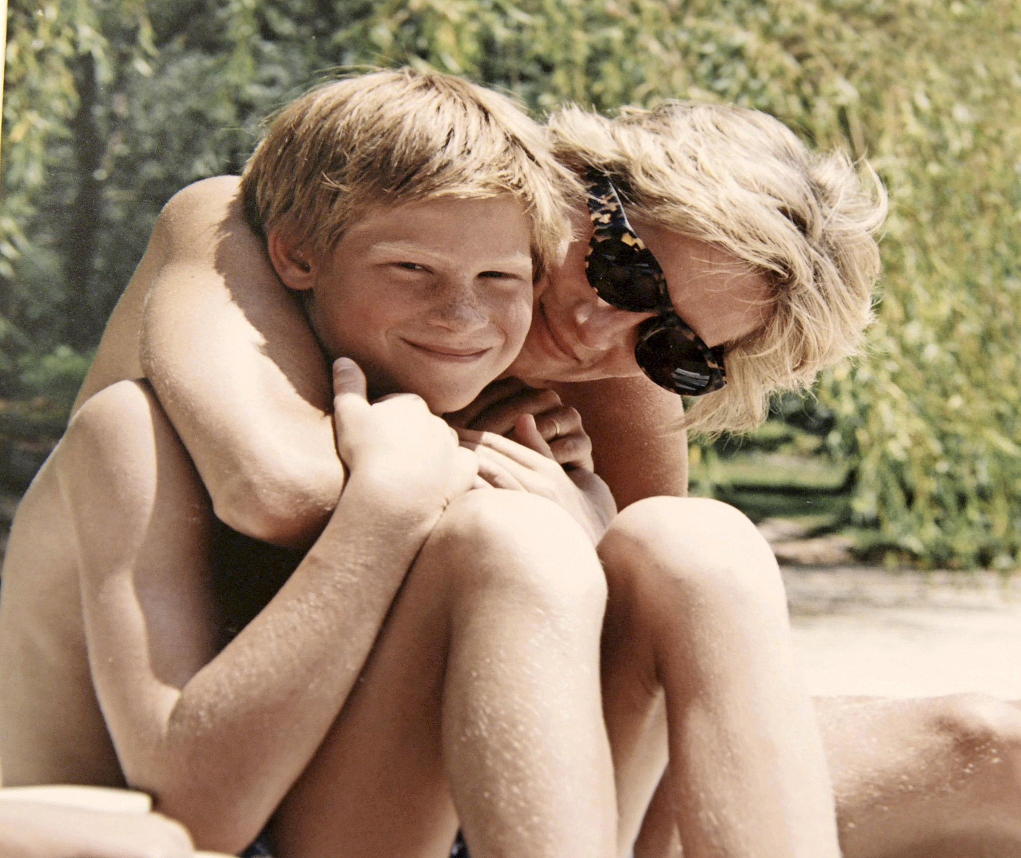 Lapset olivat Dianalle kaikki kaikessa.