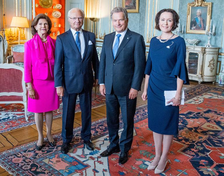Ruotsin kuningaspari Kaarle Kustaa ja Silvia sekä Suomen presidenttipari Sauli Niinistö ja Jenni Haukio