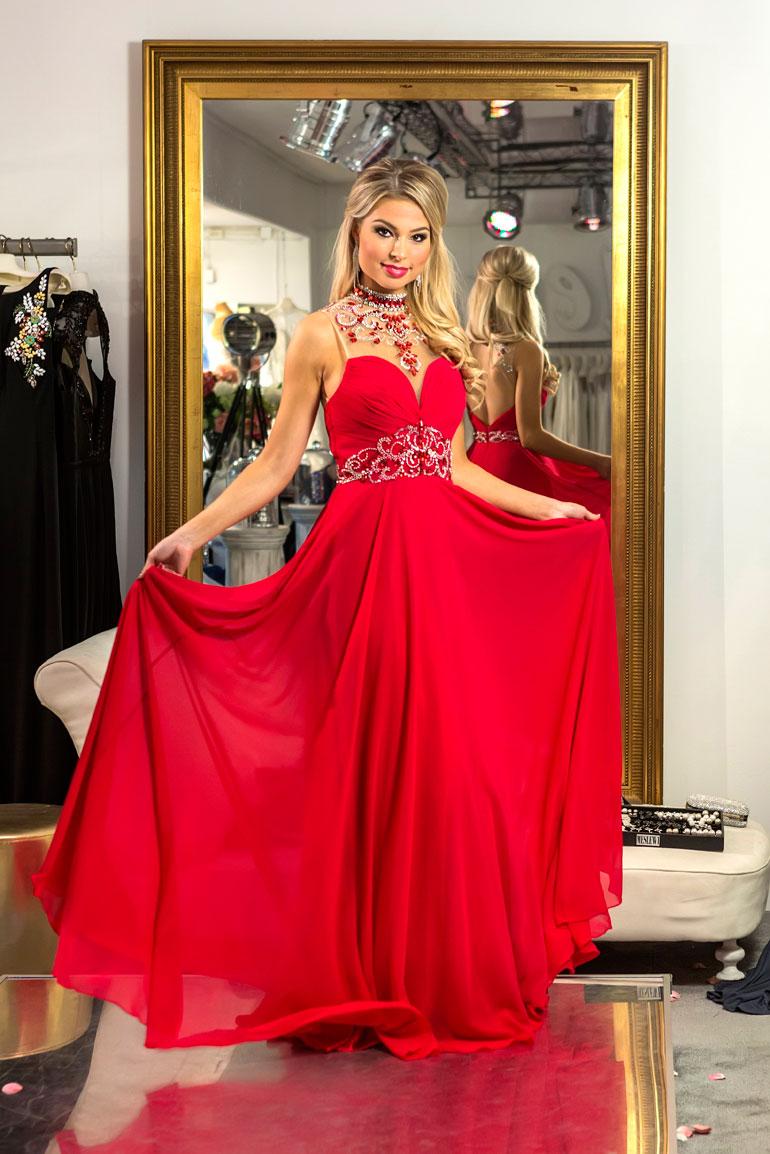 Vaasalainen Essi Unkuri, 19, äänestettiin yleisön suosikiksi Miss Suomi -finaalissa.