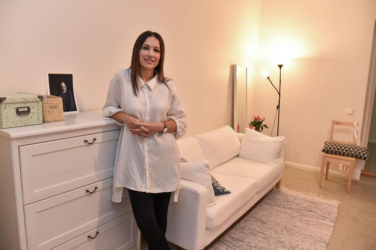 Oksana Chaiko esitteli asuntonsa.