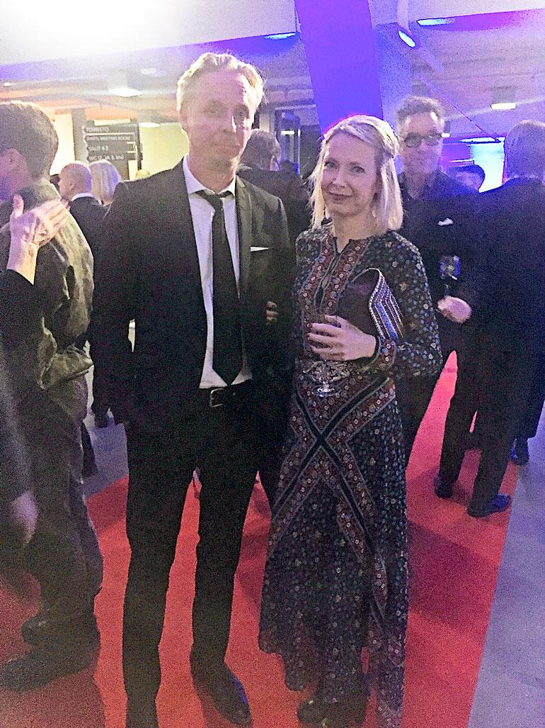 Eero Aho ja Teresa Meriläinen ensi-illassa.