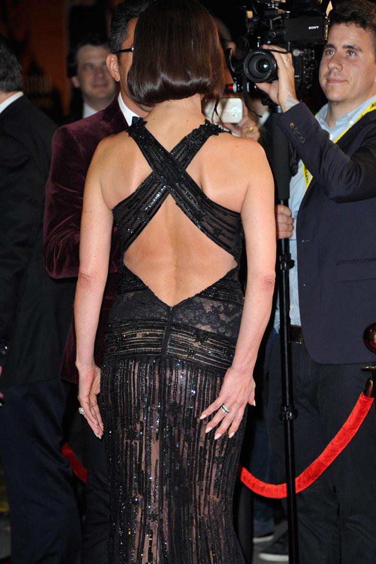 Catherine Zeta-Jones takaa