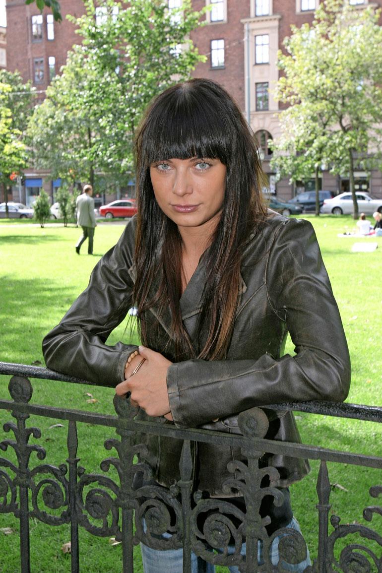 Jonna Nygren avioitui vankilassa.