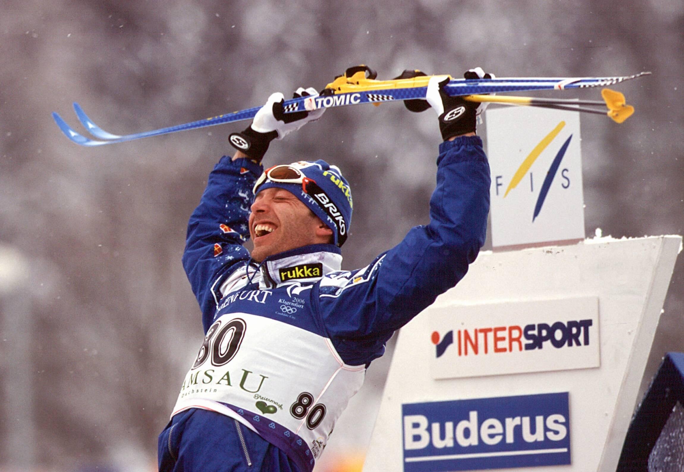 Mykistävän hyvä Mika Myllylä hiihti kolme kultamitalia Ramsaun MM-kisoissa 1999.