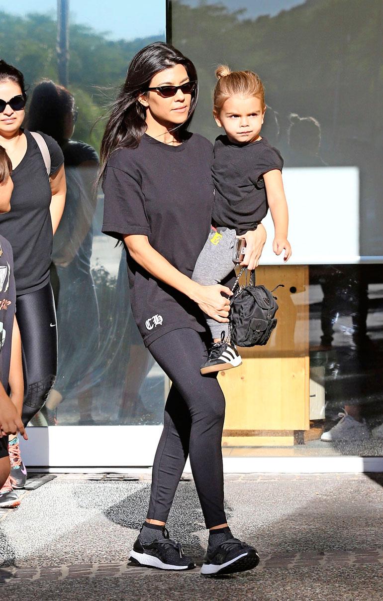 Kourtney Kardashianin lapsen isyyttä epäillään.