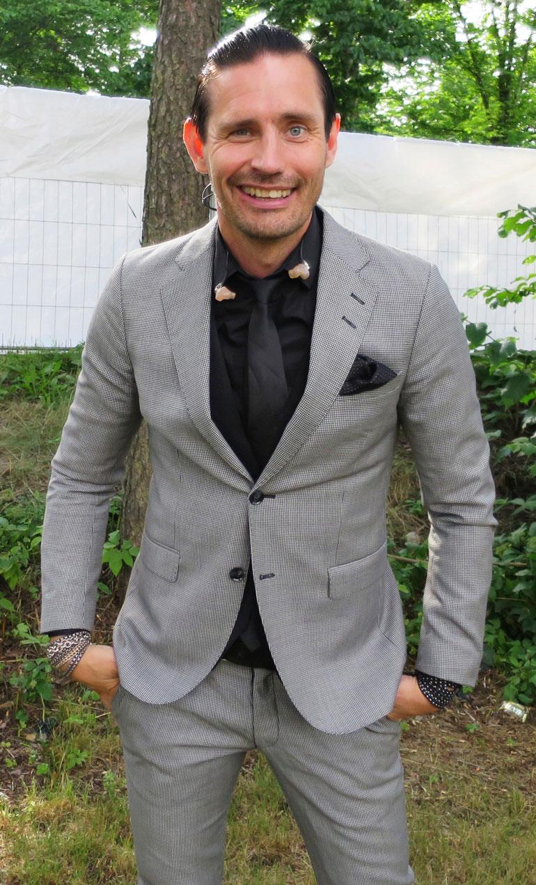 Laulaja Lauri Tähkä, 44, on yksi skorpioneista, joiden hermot ovat koetuksella talven mittaan.