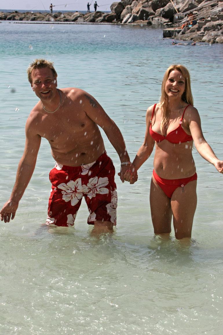 Tauski ja Virpi lomailivat Kanarialla vuonna 2007 Virpin odottaessa toista lastaan, Janea.