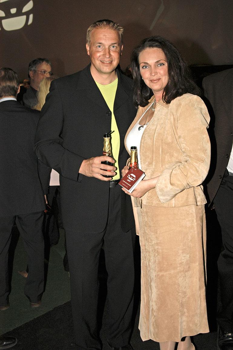 Tonyn ex-vaimo ja lasten äiti on entinen Miss Suomi Merja Varvikko.