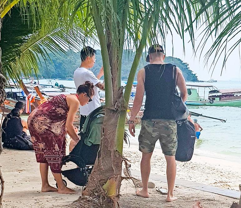 Elastinen Thaimaassa.