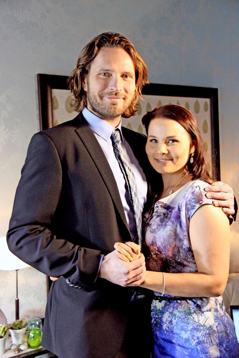 Kain uusi rakas on Sanni Haahdenmaa, jonka kanssa hän näyttelee Uusi päivä -sarjassa.