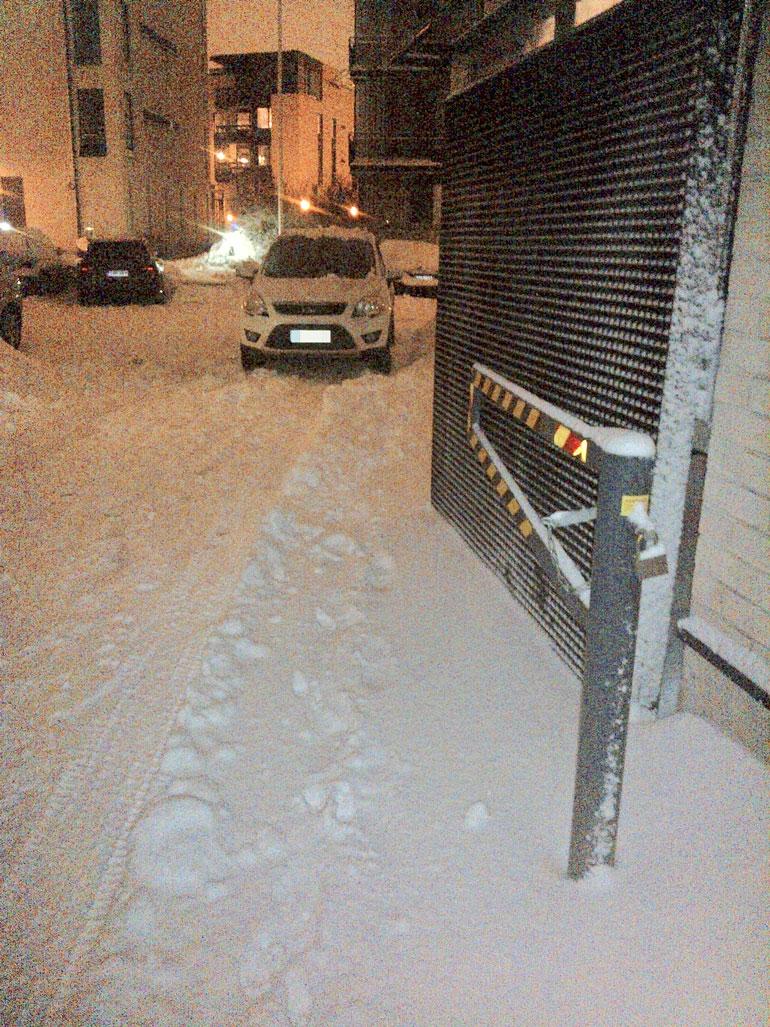 Juhana Helmenkalastaja parkkeerasi huonosti.
