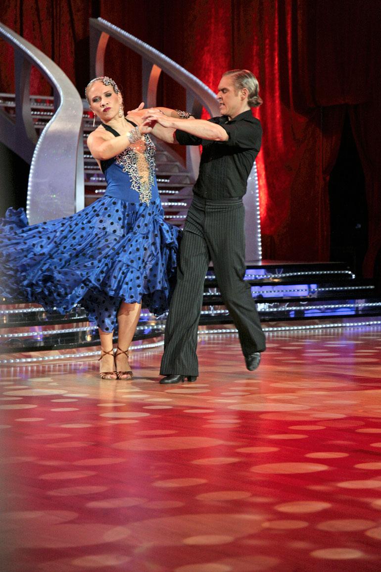 Mariko ja Aleksi Seppänen tanssahtelivat Tanssii tähtien kanssa -kilpailun voittoon 2007.