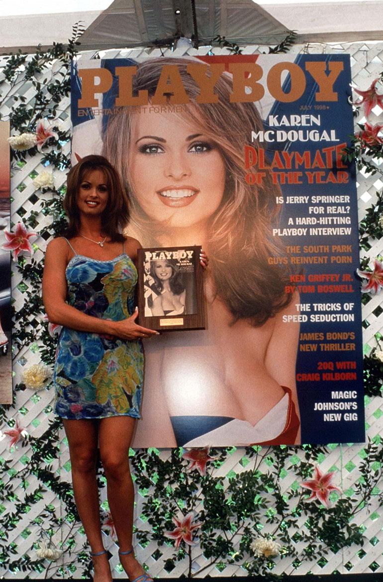 Karen McDougal poseerasi Playboyssa vuonna 1998.