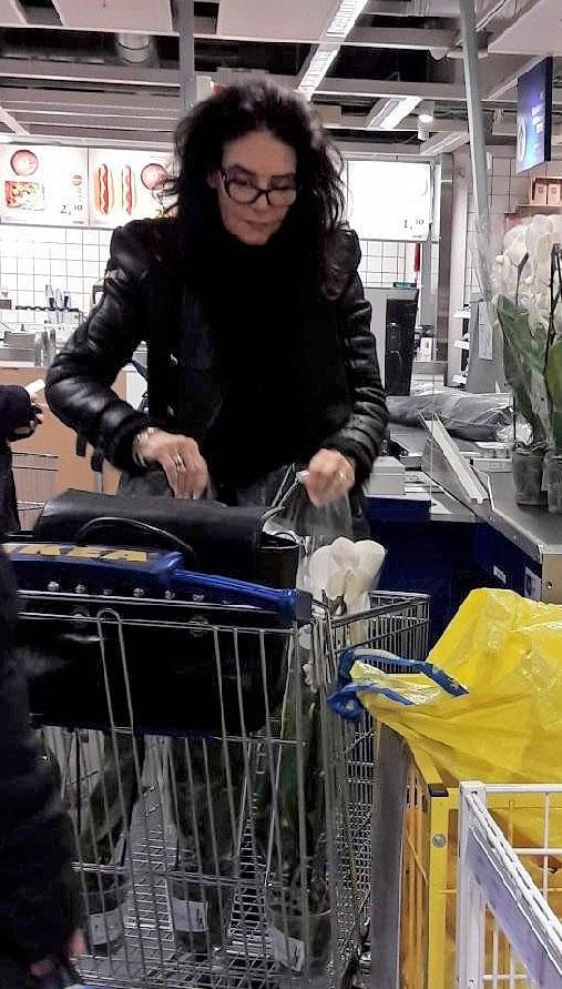 Kaarina Kivilahti Ikeassa.
