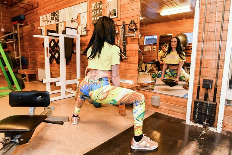 Tanja kertoo, ettei enää treenaa yhtä aktiivisesti kuin ennen, mutta pepputreenille on aina aikaa.