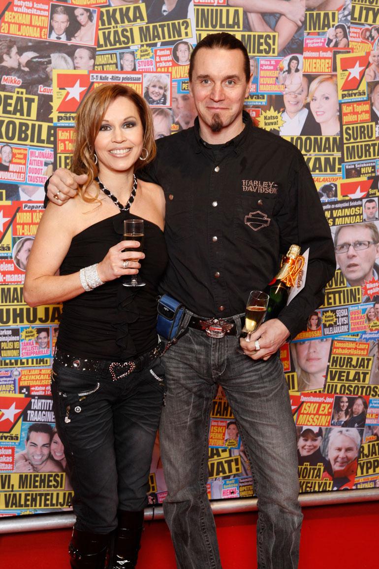 Katja ja Janne pistäytyivät Seiskan synttäribileissä vuonna 2011.