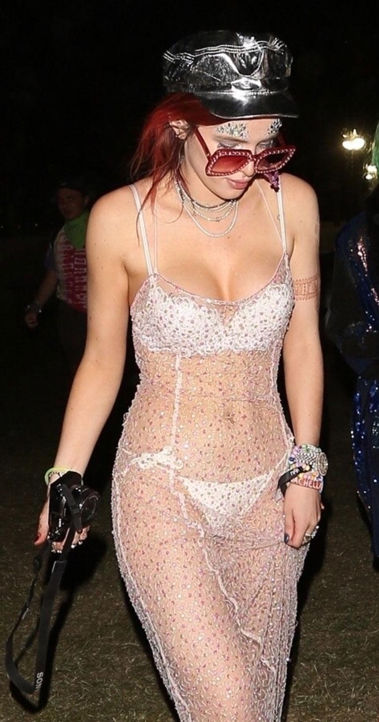 Bella Thorne pukeutui festareille rohkeasti.