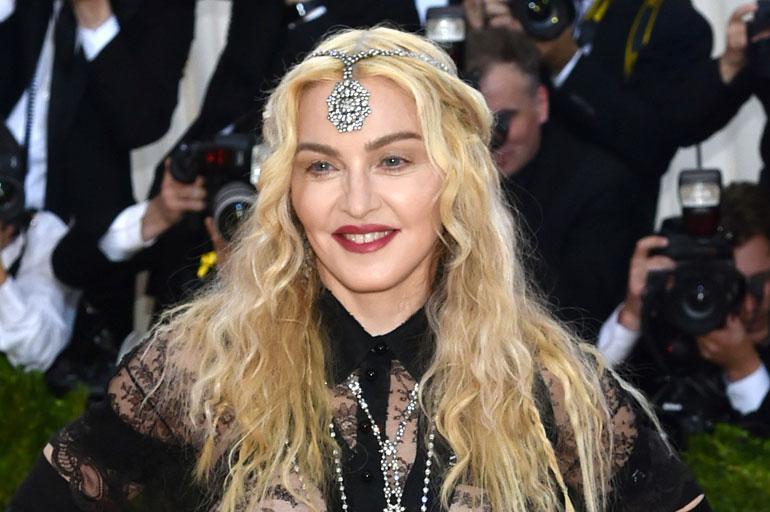 Madonna New Yorkin Met-gaalassa toukokuussa 2016