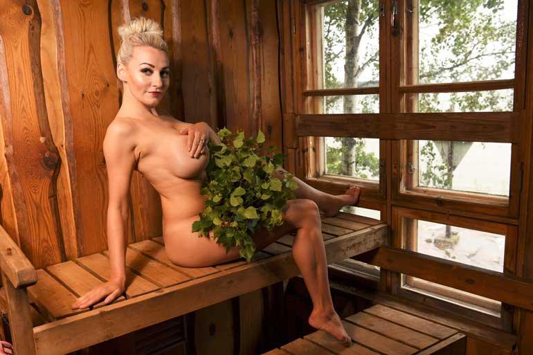 uhkeita homoseksuaaliseen miehet suomi alaston