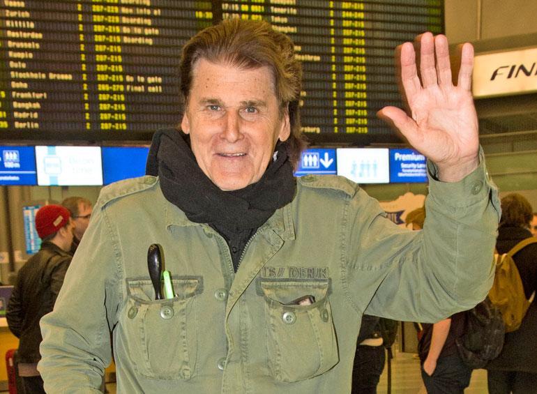 Frederik lähti ulkomaille.