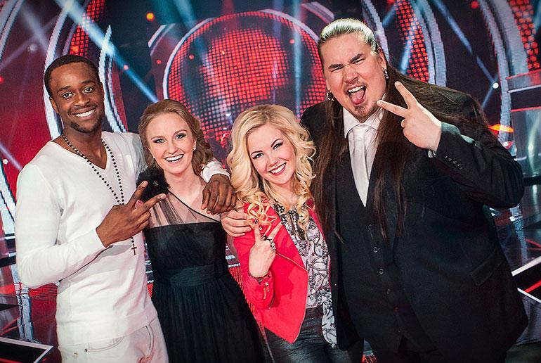 Sitkeät suhdehuhut seuraavat Jenni Vartiaista ja komeaa The Voice -tähteä!   Seiska