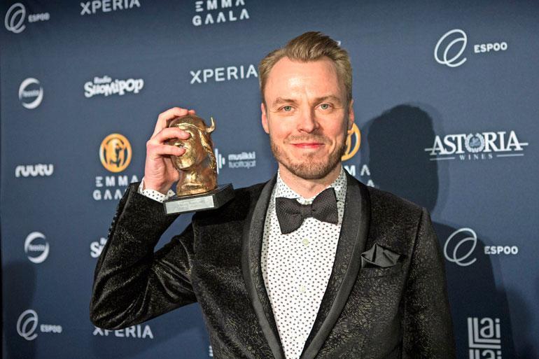 Jukka Immonen on Jenni Vartiaisen exä.