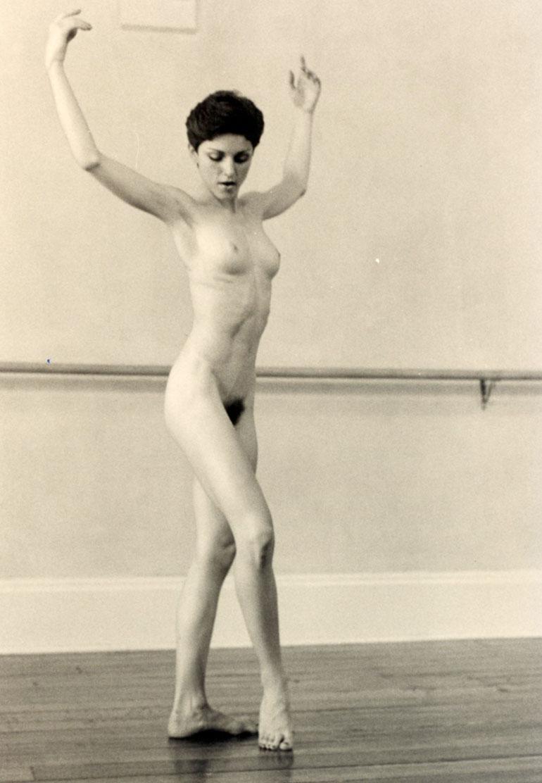 Madonna alasti 18-vuotiaana