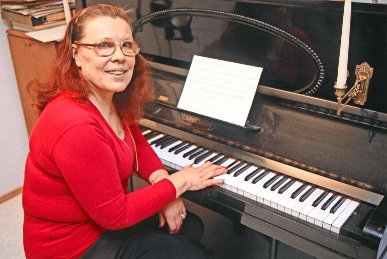 Annikki Tähti - Budapestin Yössä Puszta – Fox - Luna Lunera