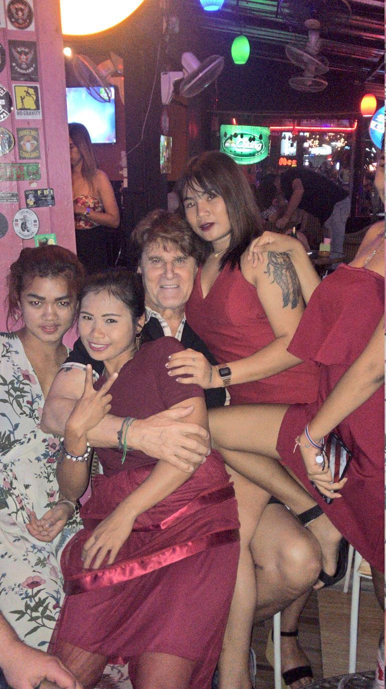 thai pillu sex shop donna