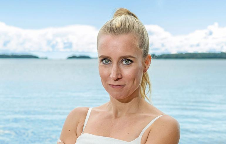 Salkkari-Nora uhrautui: Vihkisormukseni leikattiin kuvausten vuoksi osiin! | Seiska