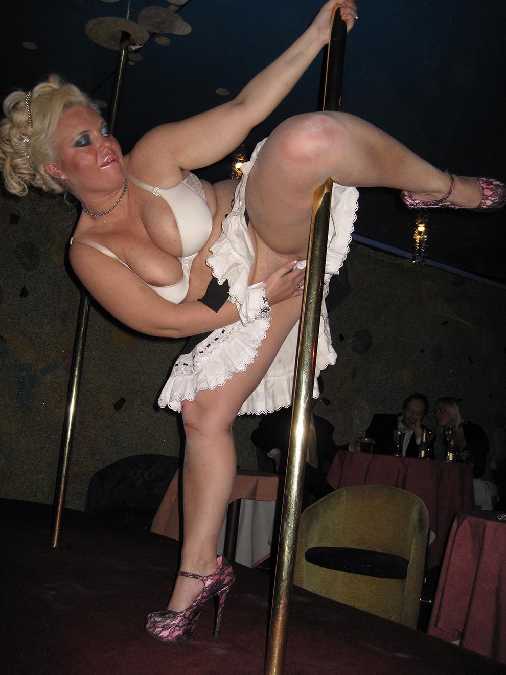 bb naiset alasti kiihottava nainen