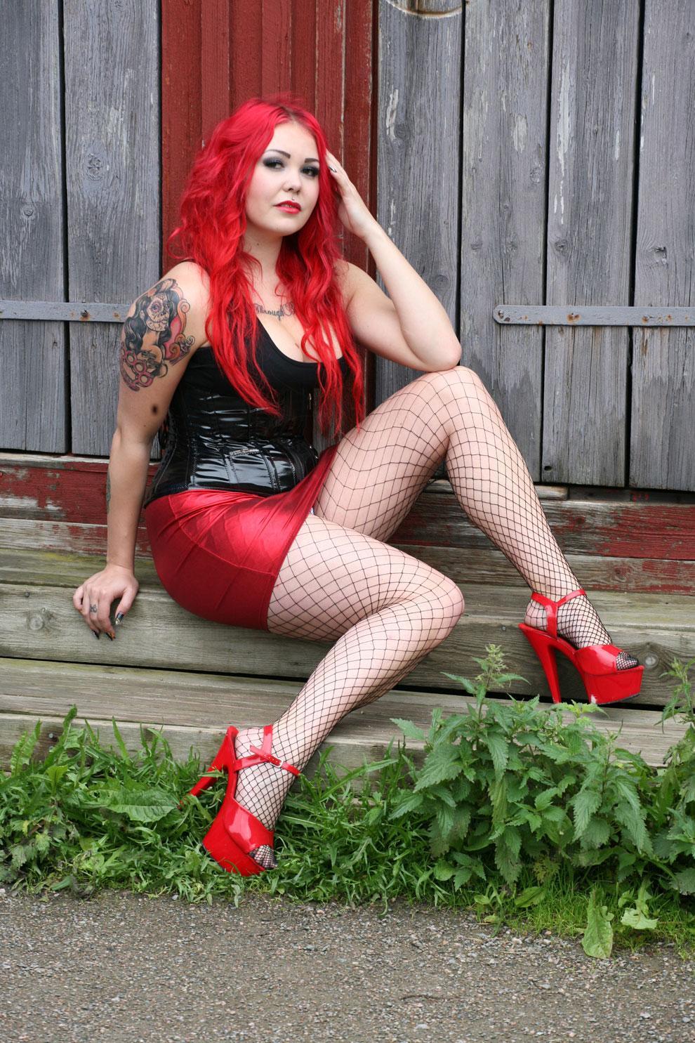 Rock Model Laura Hyrkkö esittelee tyylinsä - seksikäs kuvagalleria!