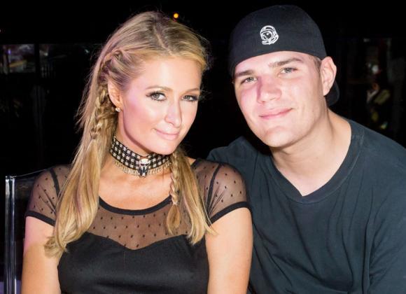 Seksikäs Tyttö Paris Hilton
