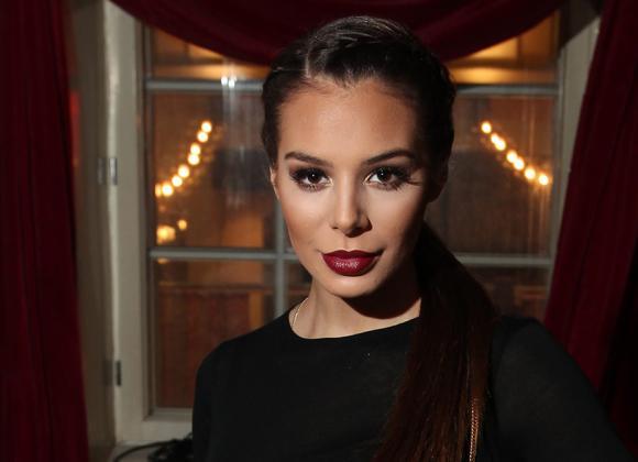 Huh, mikä peppu, Sofia Ruusila - voiko uimapuku pureutua enää enempää pakaroiden väliin? | Seiska