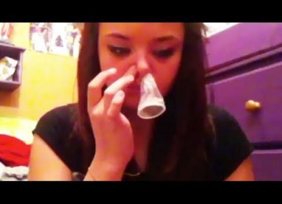 yökerho ystävä suun kautta kondomin kanssa