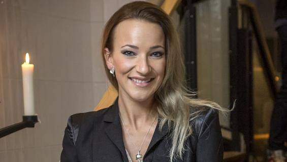 Janika Nieminen on kuuma sinkkukaunotar.