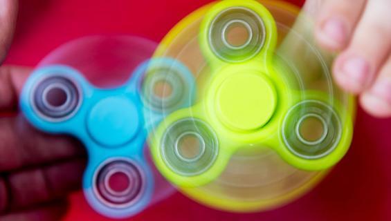 Fidget spinner löysi tiensä aikuisviihteeseen.