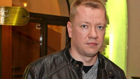 Yölintu-yhtyeestä potkut saanut Matti Silmu myy Nummelan omakotitaloaan.