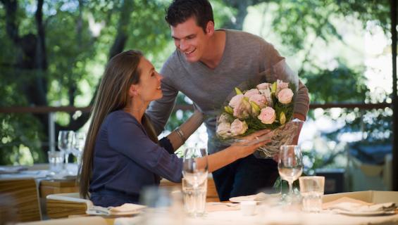 Treffit ovat hyvä tapa palauttaa kipinä pitkään suhteeseen.