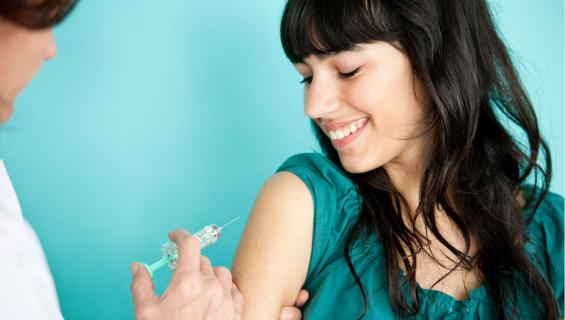 Hymyileminen parantaa rokotteen tehoa.