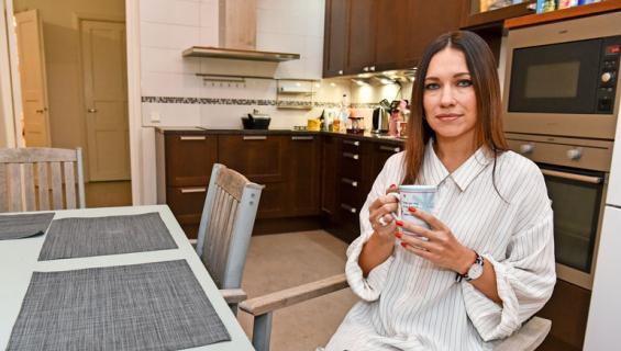 Oksana Chaiko esitteli Helsingin kotinsa.