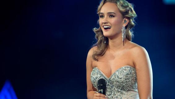 Nelli Matula lauloi upeasti Tähdet, tähdet -ohjelman suorassa lähetyksessä.