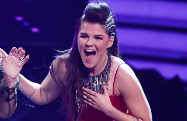 Saara Aalto taistelee Britannian X Factorin finaalipaikasta tulevana viikonloppuna.