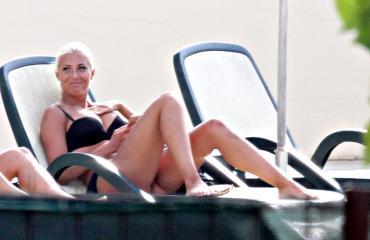 Maisa Torppa viihtyy hyvin bikineissä. Kuva viime vuoden Italian lomalta.