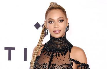 Beyonce punaisella matolla