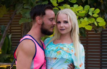 Jonne ja Erika treffeillä Temptation Islandilla